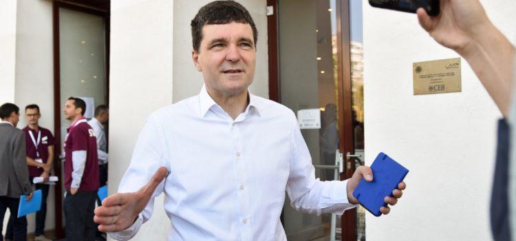 Nicușor Dan câștigă competiția internă a USR București pentru Primăria Capitalei